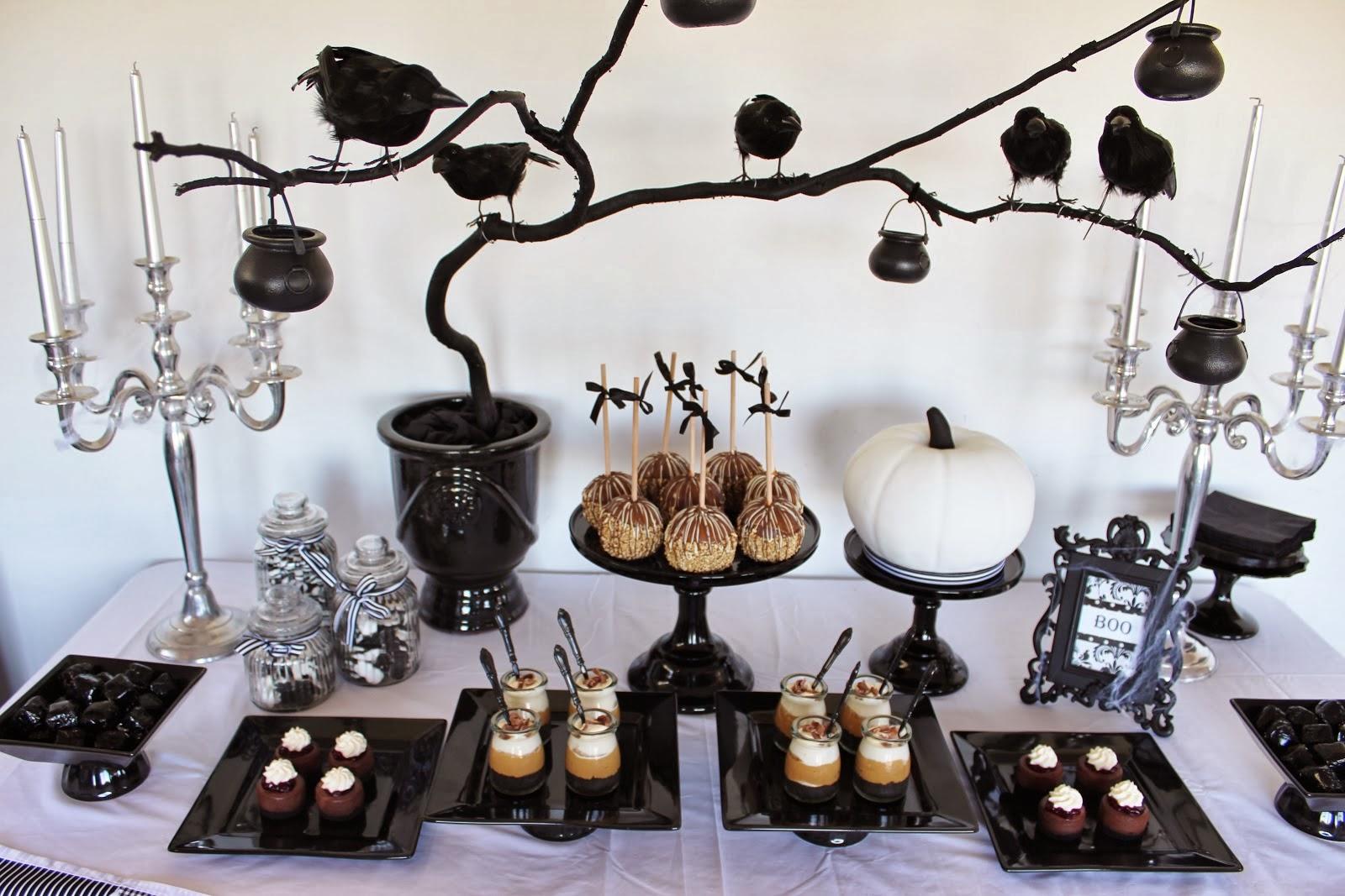 stylish halloween decor. Black Bedroom Furniture Sets. Home Design Ideas